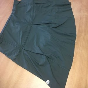 Lululemon lost in pace skirt dark forest green 6